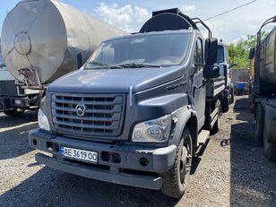 GAZ C41R13-5 camión caja abierta