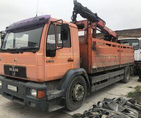 MAN 18.284 L89 HDS  camión caja abierta