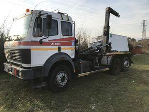MERCEDES-BENZ 2038 camión con gancho