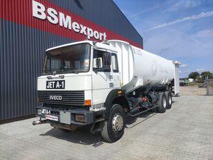 IVECO 330-30, 6x4, 26000 liter, JET A-1 camión de combustible