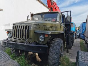 URAL HYAB camión maderero
