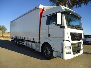 MAN  TGX 26 440 camión toldo