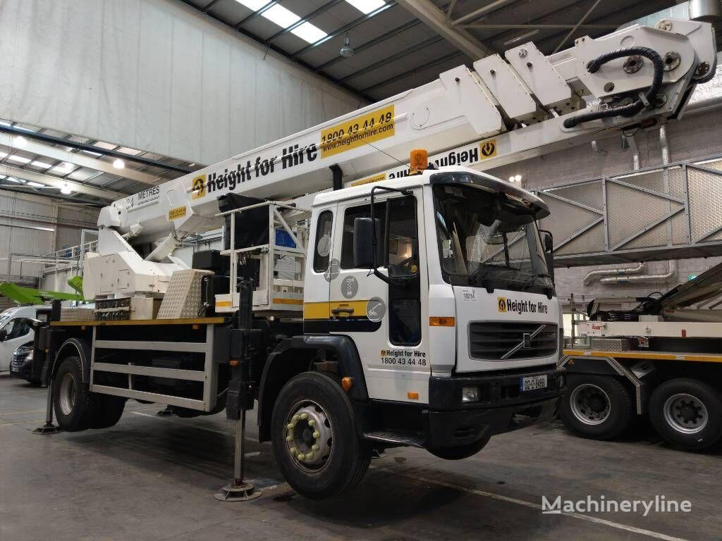 Bronto S 34 MDT plataforma sobre camión