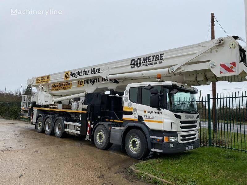 Bronto S90 HLA-X plataforma sobre camión